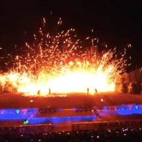 The impression on Yanqing: molten metal show at the Great Wall