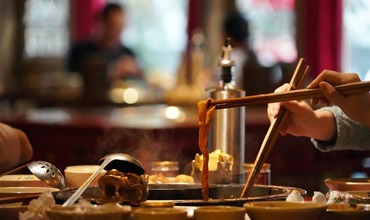 Hotpot restaurants in Chengdu resume business with prevention measures