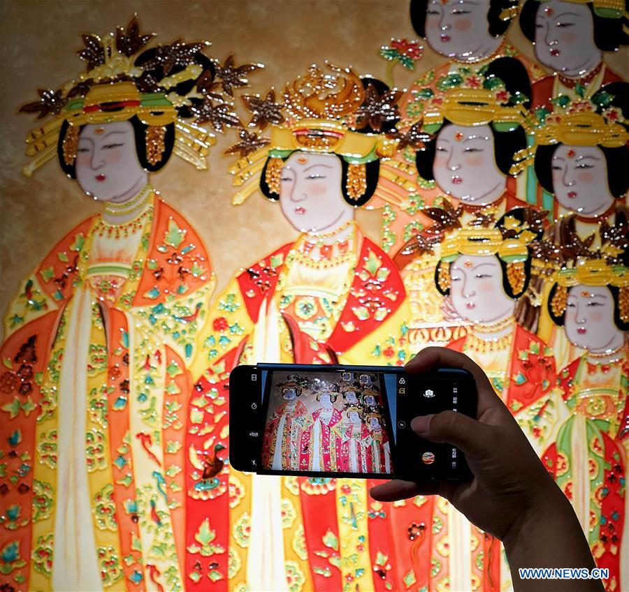 Exhibition on Luoyang tri-colored glazed artworks held in C China's Henan