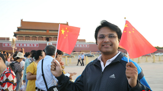 [100 Reasons for Loving Beijing] Pakistani journalist Yasir: Beijing is becoming the centre of everything_fororder_巴铁