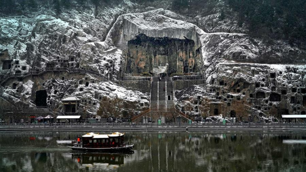 Scenery at Longmen Grottoes scenic area in Luoyang, C China's Henan