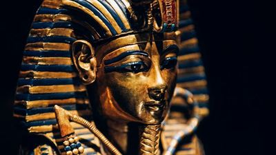 TUTANKHAMUN: Treasures of the Golden Pharaoh at the Saatchi Gallery