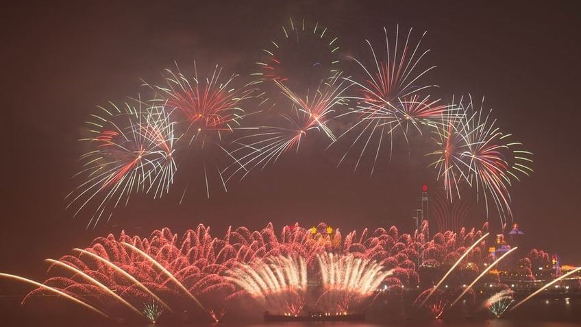 Splendid night: Fireworks explode over the sky of Macao and Zhuhai