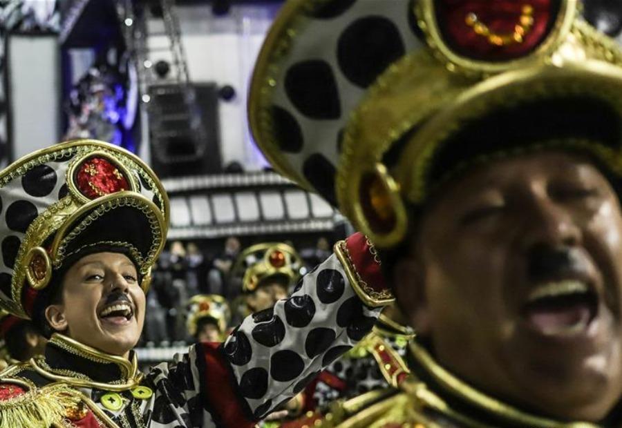 巴西圣保罗狂欢节桑巴巡游