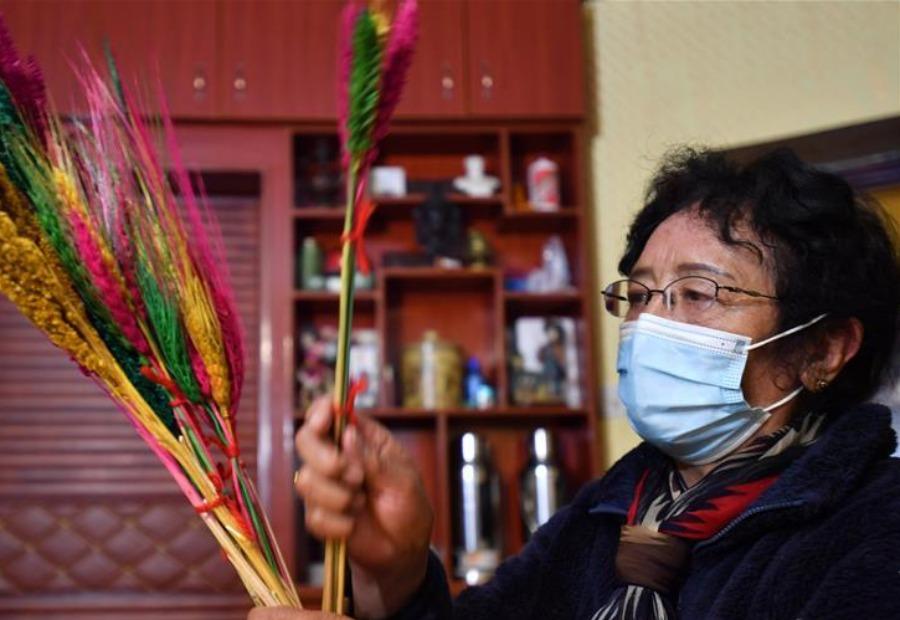 拉萨市民迎接藏历新年