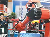 中国工业机器人大步争先_fororder_042002