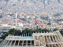 空袭结束后,在大马士革街头,民众情绪平静。